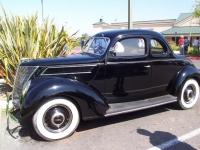 J Murphy's 1937 Dlxe Coupe